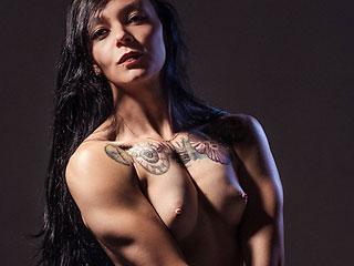 naked muscle latina emiliaclarkson