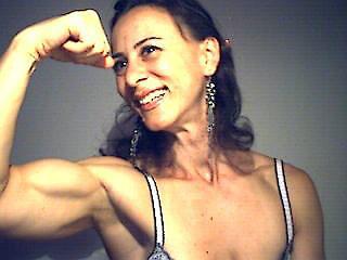 amateur female bodybuilder bodysculpture flexes