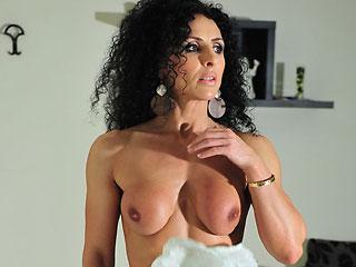 nude female bodybuilder cam babe rodyifbb