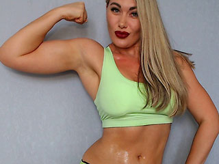 hot biceps estonian camgirl xFitnessgirl