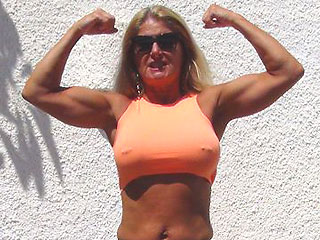 hot muscle grandma lucycams4u