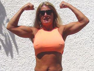 hot muscle grandma lucycams4u