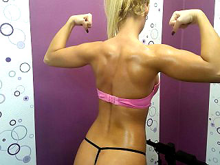 fit romanian camgirl nicolesheridans shows her muscles