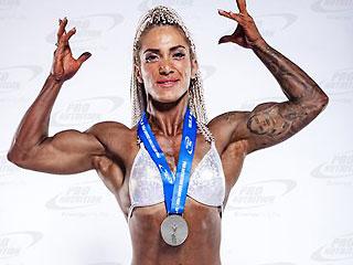 hot bodybuilder competitor deeafitt